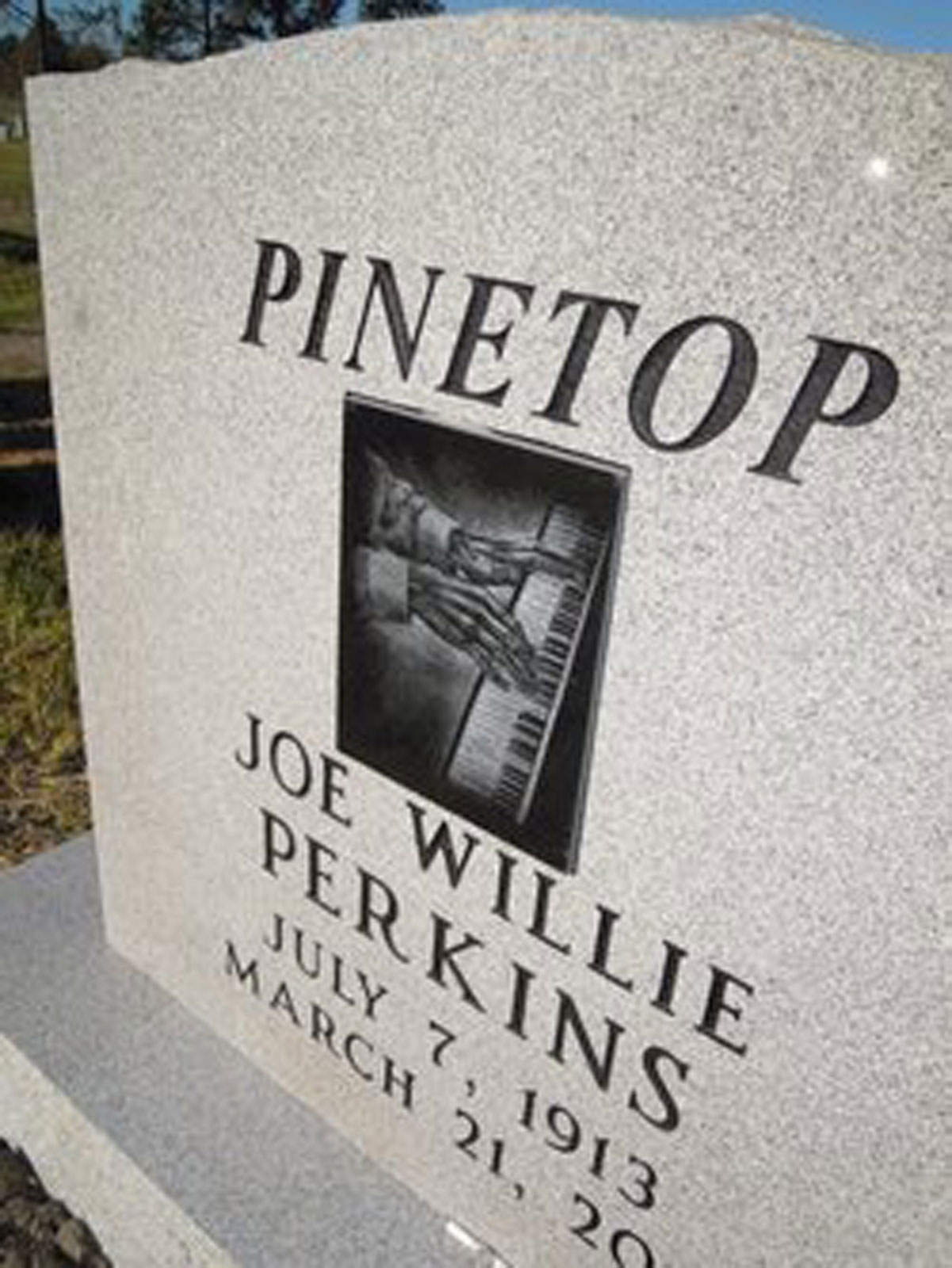 Pinetop-Headstone-small